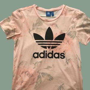 💗🌷🌹ADIDAS FADED ROSE FLORAL T-SHIRT💗🌷🌹